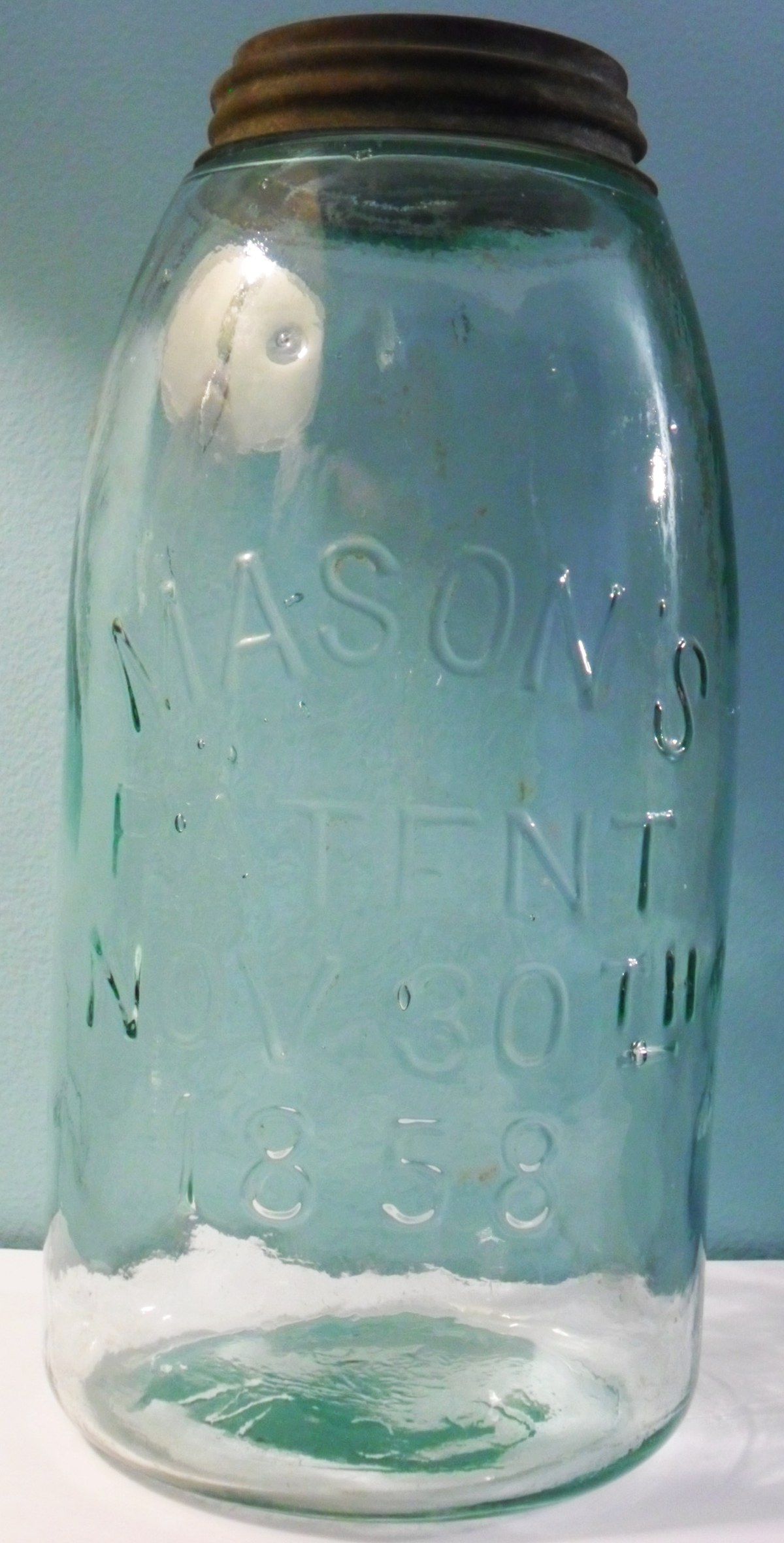 crown mason jar dating Old crown preserve jars with lids - most dated 1930s 1 of the small crown jars marked with 'hd7' inside a diamond (diamond glass co) on base 1 small jar crow with no date or symbol on base 1 old perfect seal preserve jar with lid some misc old glass preserve lids all for $ 2500.
